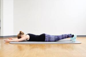 übungen Zur Stärkung Der Rücken Und Bauchmuskulatur
